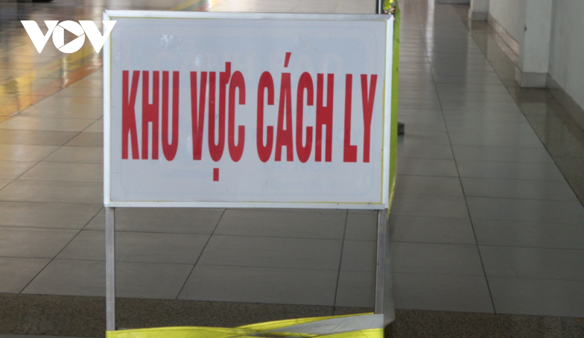 tphcm phat hien 1 nguoi nghi mac covid 19 cach ly 13 f1f2